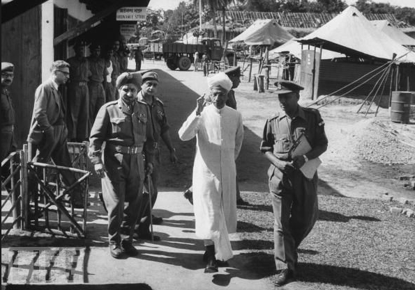 The history of Special Frontier Force-Establishment No. 22: President Radhakrishnan visiting Indian Army units during the 1962 India-China War.