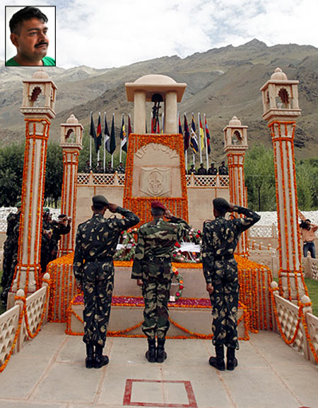 WholeDude - Whole Victory - Kashmir: Indian Armed Forces perform duties with commendable devotion and dedication to defend Indian Union from attacks by its enemies.