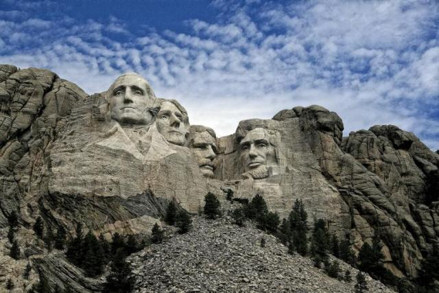WHOLE BODY - WHOLE LOVE - WHOLE HOLIDAY: PRESIDENTS' DAY IS A LEGAL HOLIDAY CELEBRATED ON THE THIRD MONDAY IN FEBRUARY TO PAY TRIBUTE TO THE MONUMENTAL SERVICES RENDERED BY THE US PRESIDENTS TO SECURE INDEPENDENCE AND TO KEEP THE UNION STRONG.