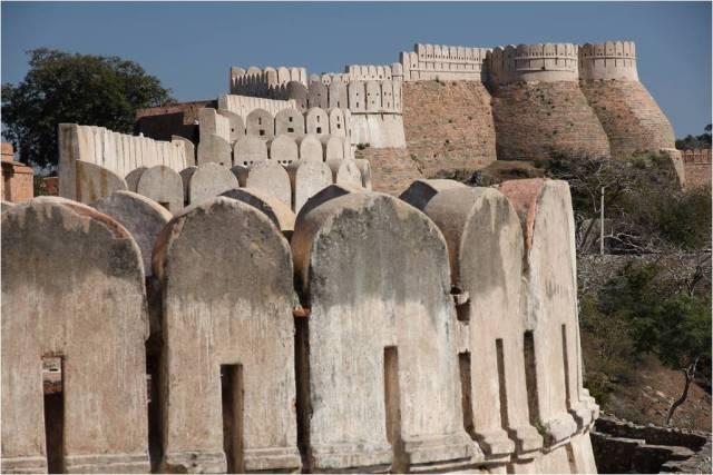 BHARAT DARSHAN - THE GREAT FORT WALL, KUMBHALGARH, RAJASTHAN.