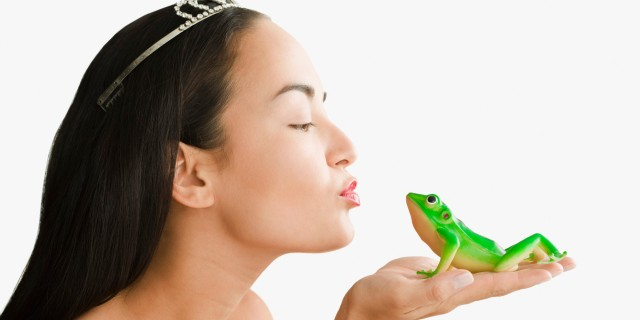 WHOLE  TEAM  -  WHOLE  ASSIGNMENT  -  #EVENINGINPARIS  :  THE  MAGIC  CALLED  KISS .  A  TINY  GREEN  FROG  TURNS  INTO  A  HANDSOME  PRINCE  WHEN  KISSED  BY  PRINCESS .