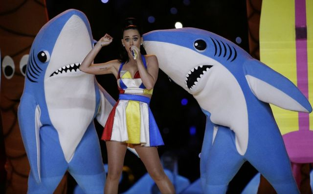 "WHOLE  TEAM  -  WHOLE  COOKIE  -  WHOLE  CHALLENGE  - #EveningWithKatyPerry : THE GAME  OF  LIFE . THE  SALESMAN  SELLING  THE  REPLICAS  OF  THE  ""LEFT  SHARK""  RECEIVED  A  NOTICE  FROM  KATY  PERRY'S  ATTORNEY . THE  MOUSE  IS  NOT  AFRAID  OF  ""PAPER  TIGERS."""