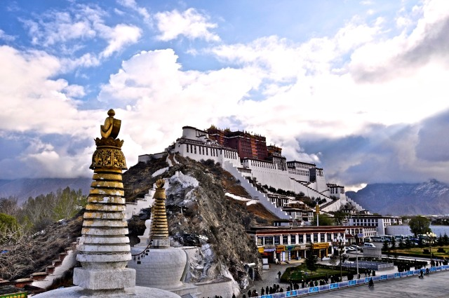 SPECIAL  FRONTIER  FORCE  VS  THE  EVIL  RED  EMPIRE :  WHAT  IS  THE  FUTURE  OF  TIBET???  FOR  HOW  LONG  TIBETANS  HAVE  TO  LIVE  UNDER  THE  TYRANNY  OF  OCCUPATION???   WHEN  WILL  COMMUNIST  CHINA  LOSE  ITS  MILITARY  GRIP  OVER  LHASA???