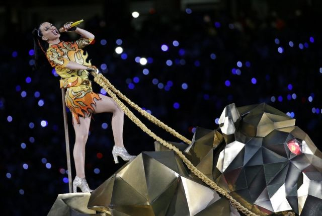 wholemurphy eveningwithkatyperry riding the big cat
