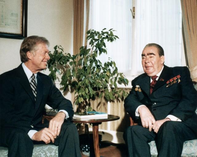 18 Jun 1979, Vienna, Austria     Soviet President Leonid Brezhnev  and US President Jimmy Carter meet in Vienna to negotiate the strategic arms limitation treaty (SALT II), June 18, 1979.     Image by © CORBIS