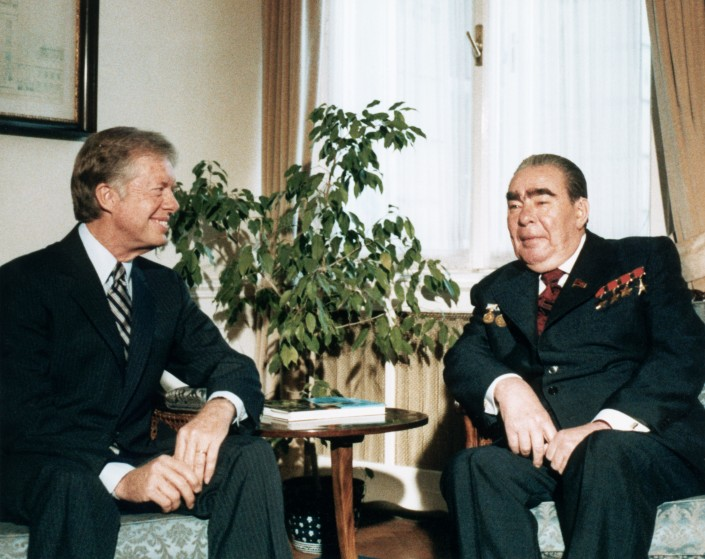 18 Jun 1979, Vienna, Austria     Soviet President Leonid Brezhnev  and US President Jimmy Carter meet in Vienna to negotiate the strategic arms limitation treaty (SALT II), June 18, 1979.     Image by © CORBIS