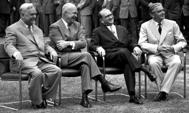 THE  EVIL  RED  EMPIRE - NUCLEAR  EXPANSIONISM -  DURING  COLD  WAR  ERA,  BOTH  THE  US  AND  SOVIET  UNION  TRIED  TO  REDUCE  TNSIONS .  JULY 1955 GENEVA  CONFERENCE . LEFT  TO  RIGHT: SOVIET  PREMIER NIKOLAI  BULGANIN, US  PRESUDENT  DWIGHT  EISENHOWER,  FRENCH  PRIME  MINISTER  EDGAR  FAURE, AND  BRITISH  PRIME  MINISTER  SIR  ANTHONY  EDEN .