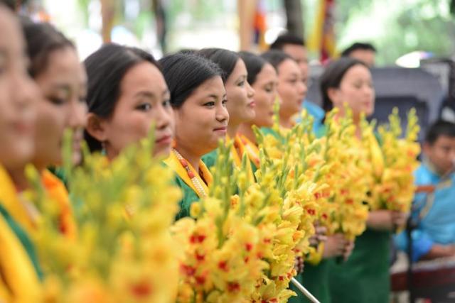 tibetan unity tibetan solidarity sing to the dalai lama