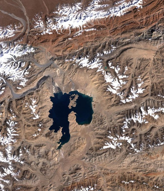doomsayerofdoomdooma qaraqul crater pamir mountains