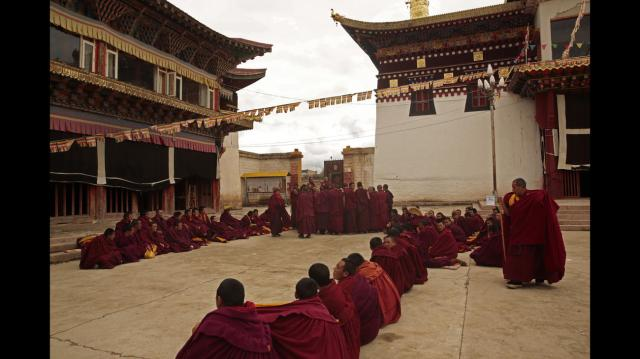 TIBET AWARENESS - TIBET'S ROAD TO MARTYRDOM. KIRTI MONASTERY, ABA, SICHUAN FOUNDED IN 1472.