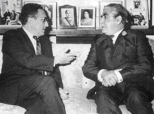 TIBET CONSCIOUSNESS - UNDYING HOPE FOR FREEDOM. US PRESIDENT RICHARD M NIXON WITH GENERAL YAHYA KHAN, PAKISTAN'S MILITARY DICTATOR WHO WAS GUILTY OF GENOCIDE. BLACK DAY TO FREEDOM.