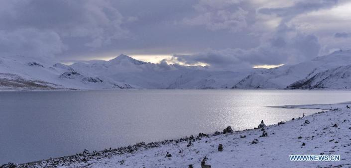 TIBET CONSCIOUSNESS - THE YAMDROK LAKE - LET IT SNOW. FREEDOM IS NEAR.