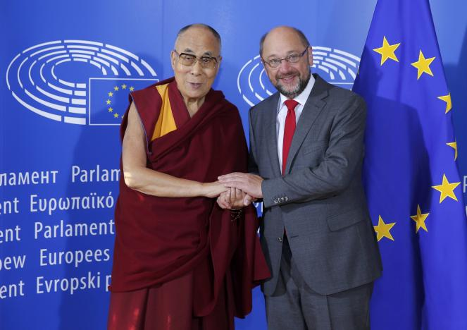 Tibet's exiled spiritual leader the Dalai Lama (L), is welcomed by European Parliament president Martin Schulz at his arrival at the European Parliament in Strasbourg, France, September 15, 2016. REUTERS/Vincent Kessler