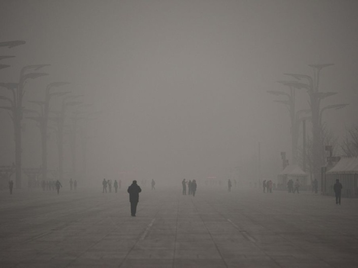 BEIJING DOOMED - SMOG TRANSFORMS LIVING CITY INTO GHOST CITY.